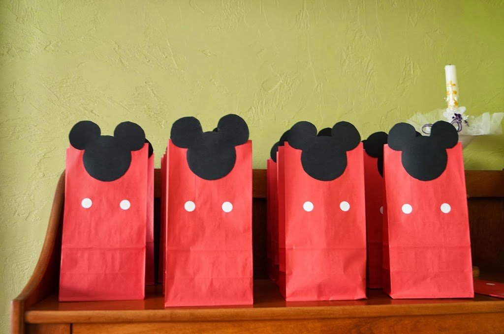 diy mickey mouse treat bags