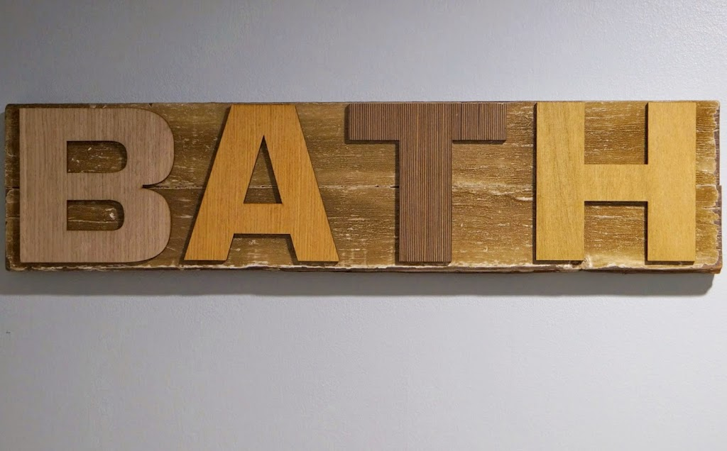 DIY Reclaimed Wood Bath Sign