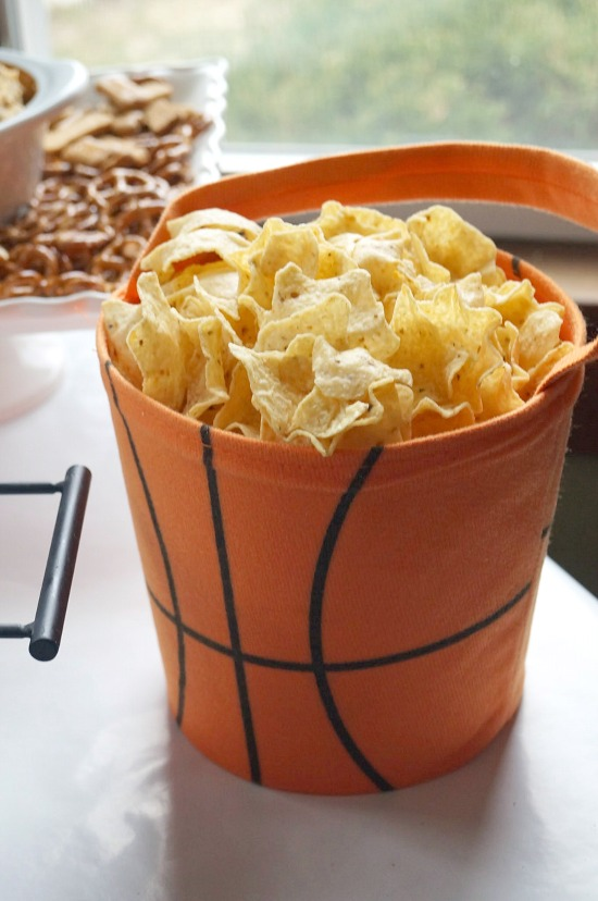 Easy Basketball Party Decor