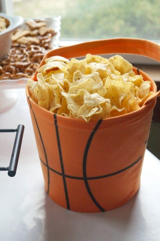 Easy Basketball Party Decor