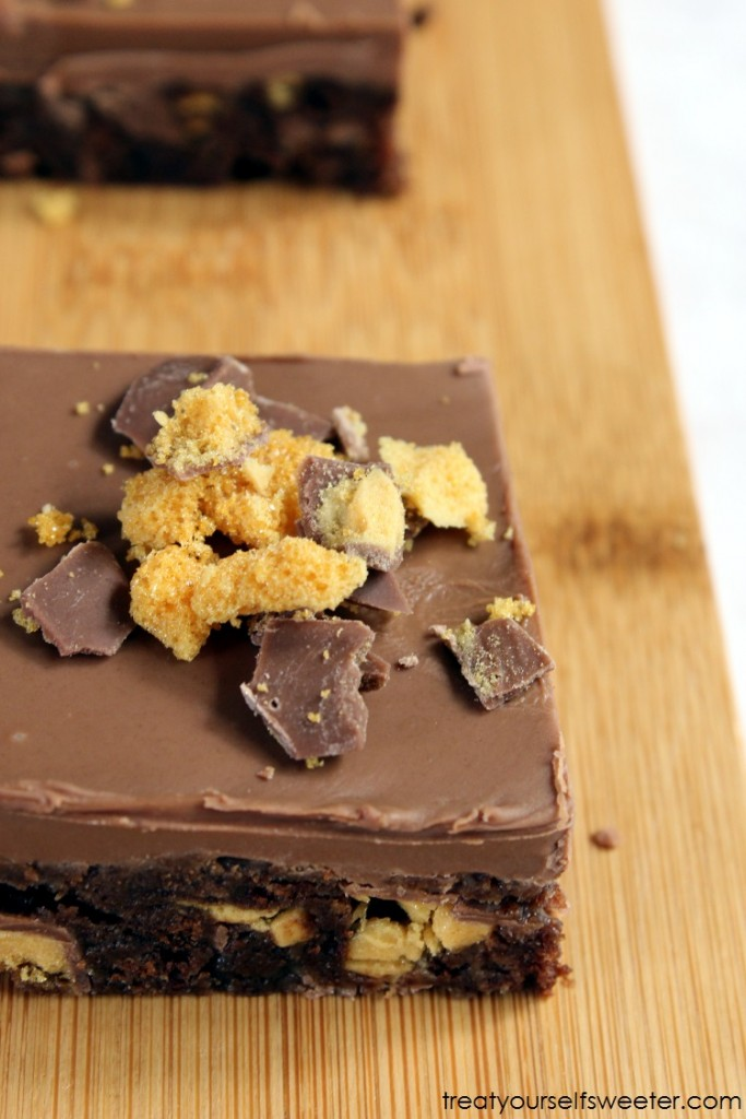 NO BAKE CHOCOLATE HONEYCOMB SLICE 02