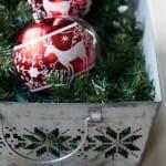 Easy Christmas Centerpiece Idea