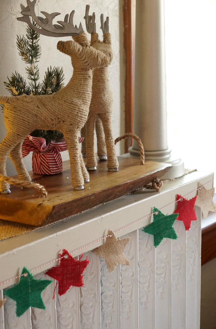 Easy Burlap Star Christmas Bunting