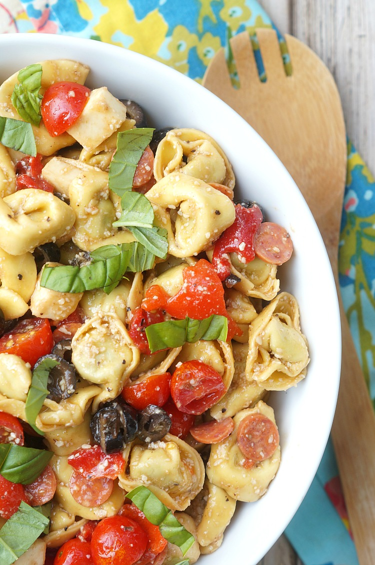 pasta salad with peppers and tomatoes
