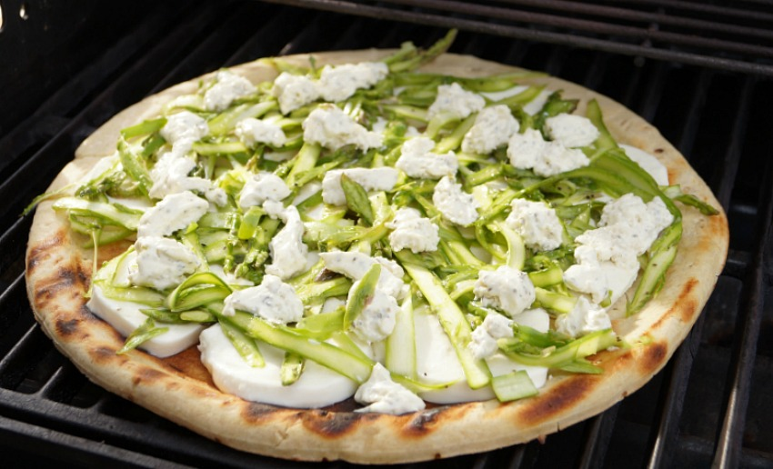 Shaved Asparagus Grilled Pizza