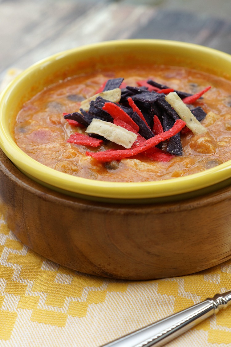 Cheesy Chicken Enchilada Soup: Takes only 20 minutes to make and is a copycat version of Chili's Enchilada Soup!