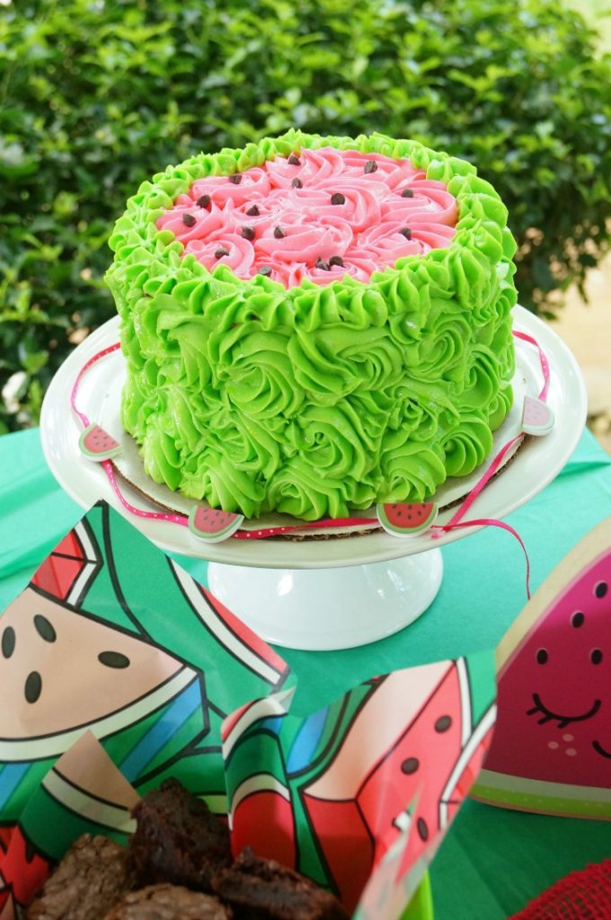 Smash cake idea for girls, watermelon themed smash cake