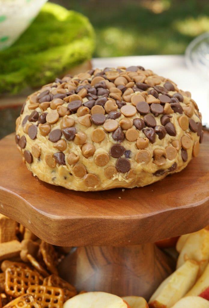Peanut Butter Cup Cheeseball