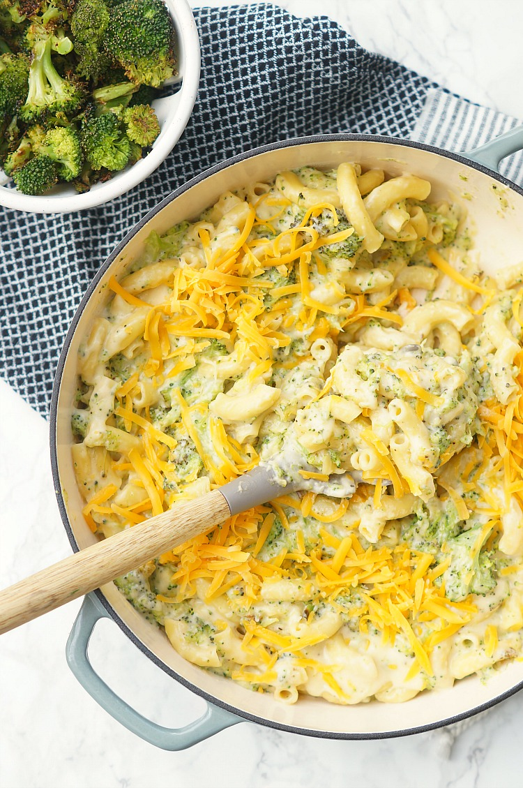 Creamy Macaroni and Cheese with Broccoli