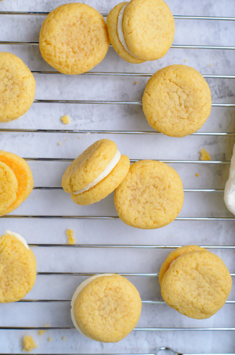 Easy Vanilla Sandwich Cookies